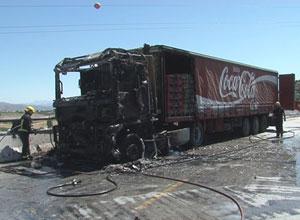 Incendio camion cocacola